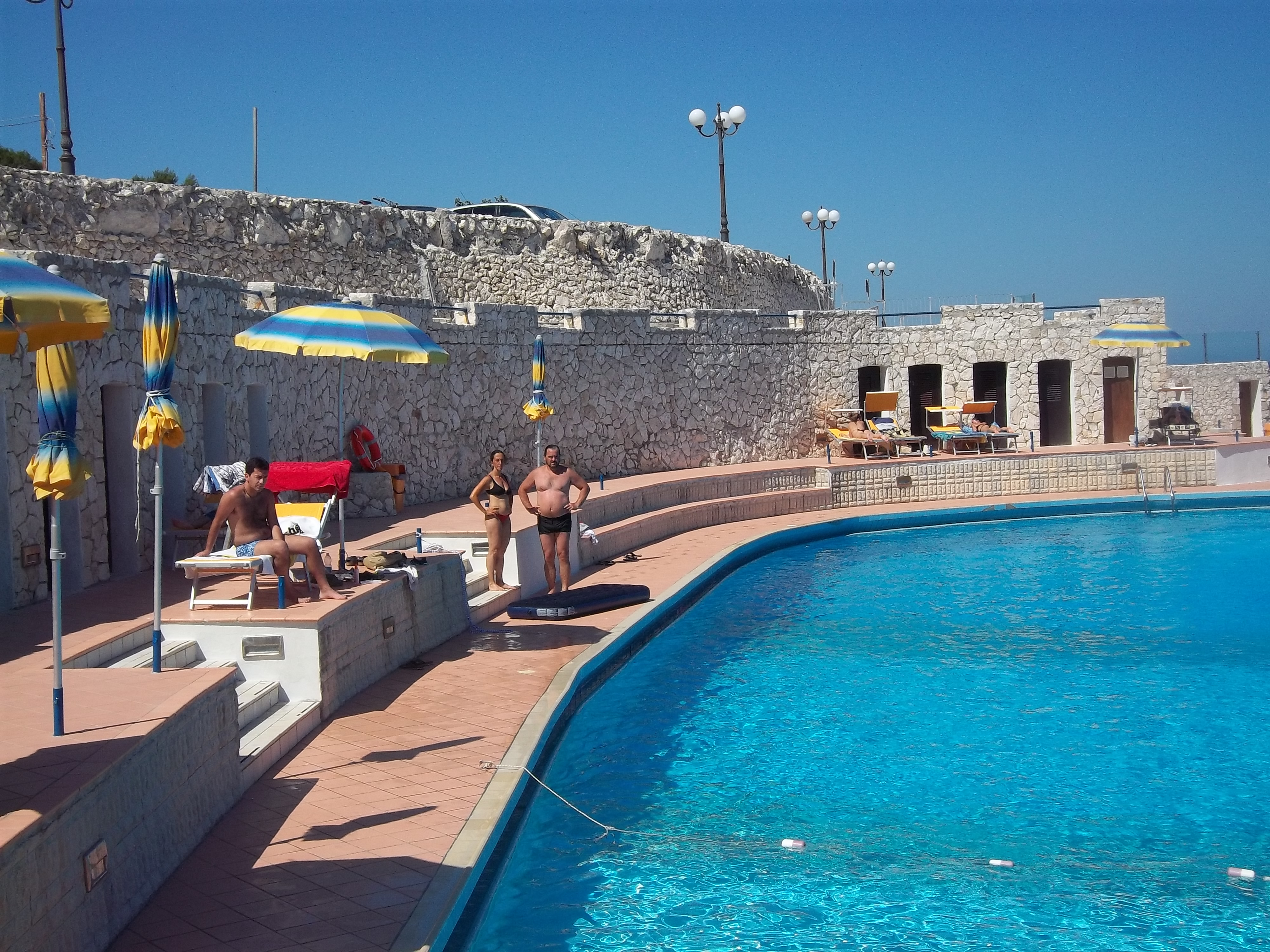 La grotta zinzulusa benvenuti a castro marina la perla for Piani di progettazione della piscina